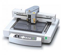 Roland EGX-30A Desktop Graviermaschine